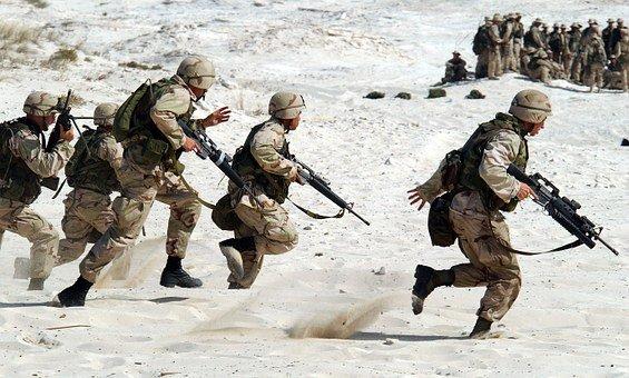 soldiers-1002__340.jpg